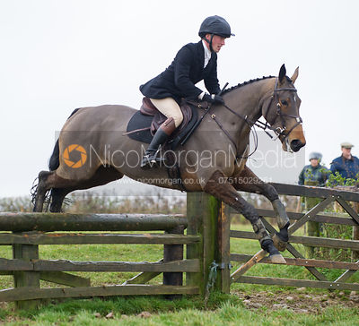 Simon Grieve jumping fences at Stone Lodge Farm - The Cottesmore at John O'Gaunt 24/11/12