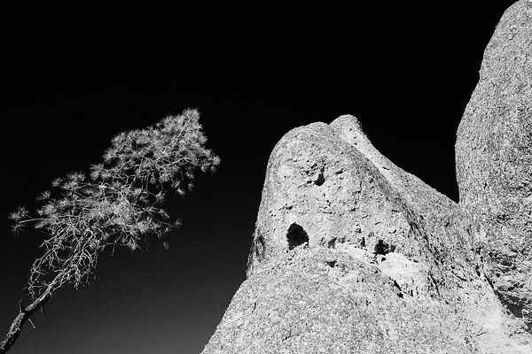 ROCK FORMATIONS HIGH PEAKS TRAIL PINNACLES NATIONAL PARK CALIFORNIA BLACK AND WHITE