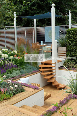 Aromatic plant, Border, Border with flowers, Garden chair, garden designer, Garden furniture, Garden table, Pergola, Small garden, Stair, Terrace, Thyme, tight cloth, Trellis, Urban garden, Contemporary Terrace, Wooden Terrace, Digital, Grasses