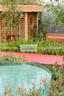 Contemporary garden, Garden shed, Pool, Wood, Wooden footbridge, Digital