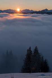 Glow on the mist - Annecy Semnoz