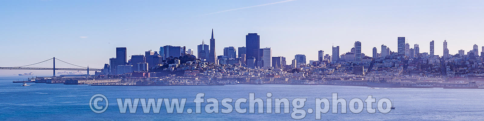 San Francisco Skyline mit Golden Gate Bridge