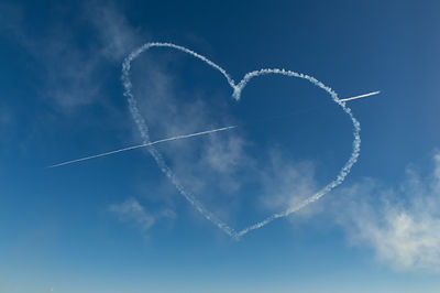Red Arrows heart and spear
