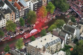 Amsterdam - Luchtfoto Canal Parade 04