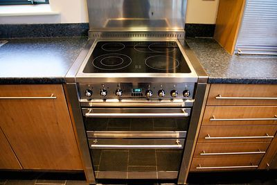 Fitted Twin Oven Smeg Cooker