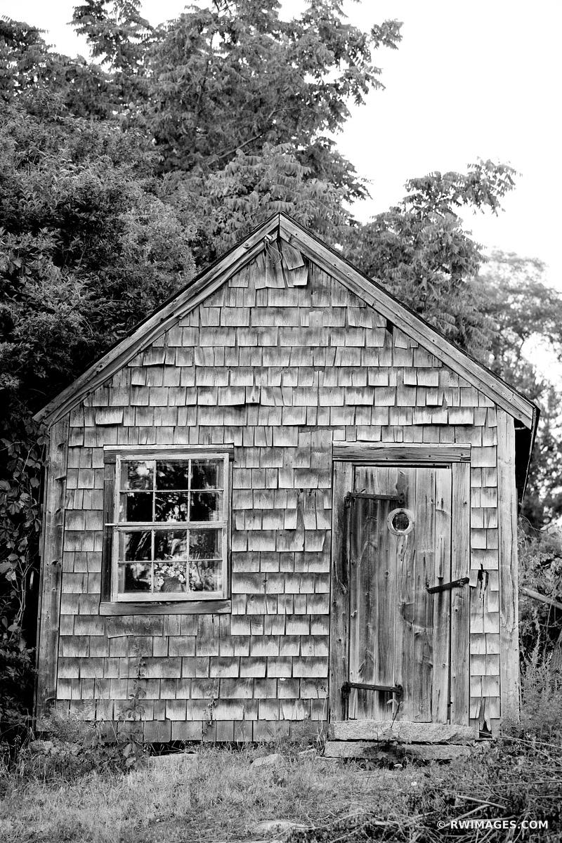 OLD HOUSE CAPE ANN MASSACHUSETTS BLACK AND WHITE VERTICAL