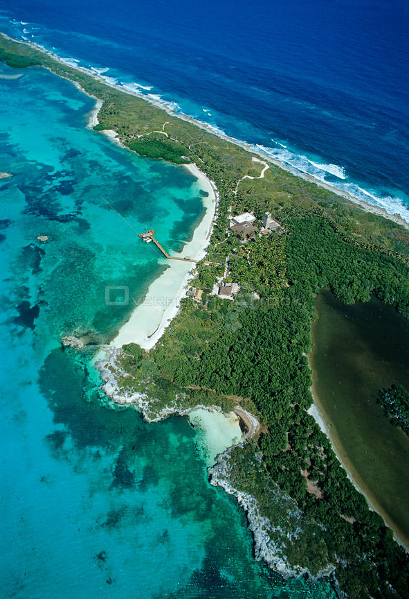 Aerial view of visitors center, Contoy Island National Park, Mesoamerican Reef System, near Cancun, Caribbean Sea, Mexico, Ja...