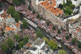 Amsterdam - Luchtfoto Canal Parade 05