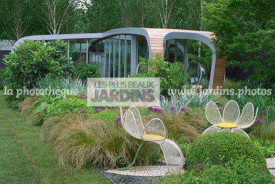 Ball shaped, Buxus, Chair, Contemporary garden, Garden chair, Garden furniture, Natural garden, Resting area, Sphere shaped, Topiary, Wild garden, Common Box, Digital, Grasses, Scenery, Summer, Veranda