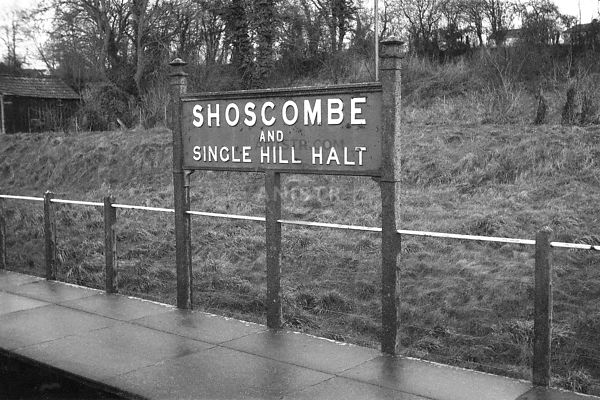 (Nameboard) Shoscombe and Single Hill