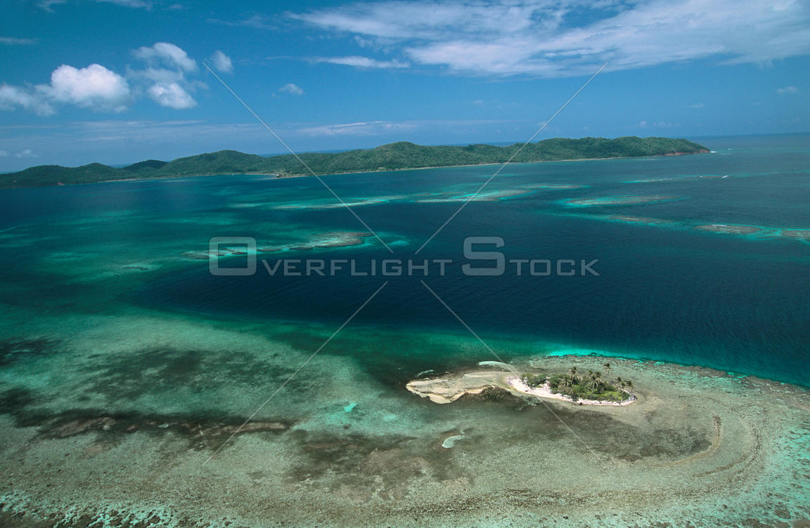 Aerial view of 'The elbow' coral reef, Barbareta Is, Bay Islands, Caribbean coast, Honduras, Central America 2006