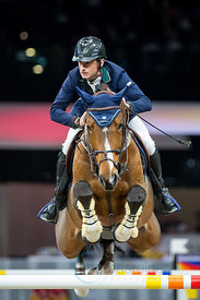 Zurich, Switzerland, 26.1.2018, Sport, Reitsport, Mercedes-Benz CSI Zurich - Longines Grand Prix. Bild zeigt Denis LYNCH (IRL) riding All Star...26/01/18, Zurich, Switzerland, Sport, Equestrian sport Mercedes-Benz CSI Zurich - Longines Grand Prix. Image shows Denis LYNCH (IRL) riding All Star.