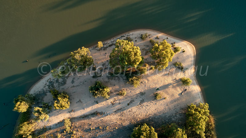 Island below Wentworth on Murray River.