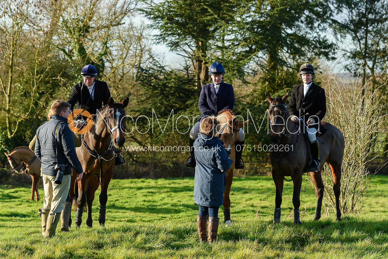 Emilie Chandler, Will Grant At the meet. The Belvoir Hunt meet at Waltham House 22/12