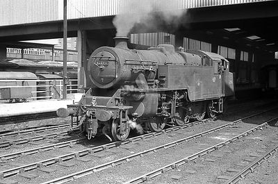 Steam loco Fairburn 4MTT 42196 Leeds City