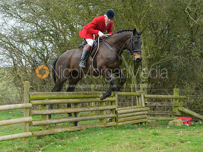 Andrew Osborne  jumping the hunt jump on the Weatherbys'
