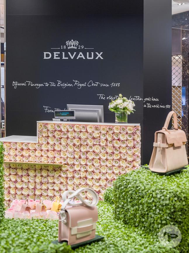 Photographe Architecture Boutique Retail Paris - Pop up store Delvaux, Galeries Lafayette. Photo ©Kristen Pelou