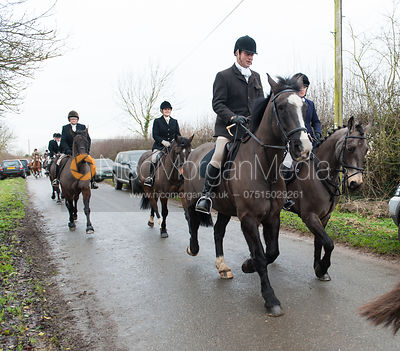 The field leaving the meet in Pickworth