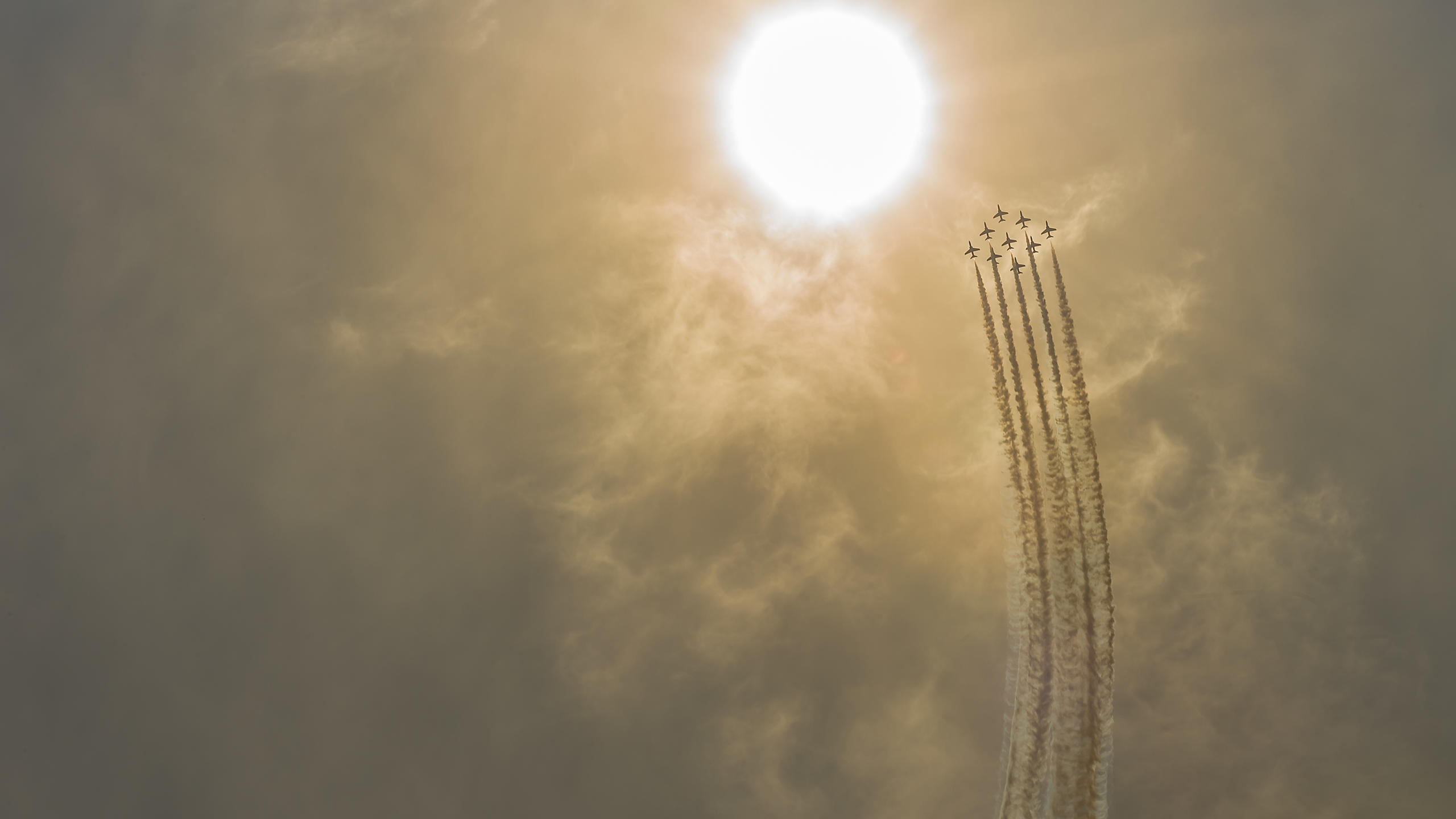 Red Arrows Spectacular Flight Towards the Sun