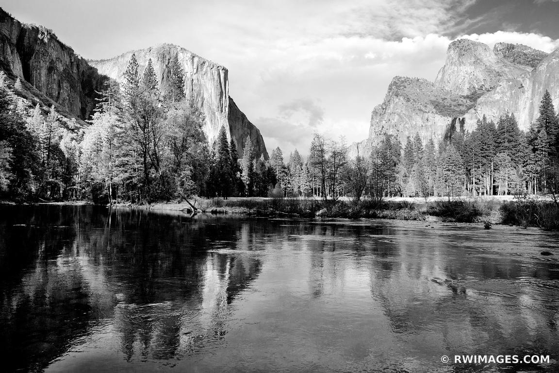 VALLEY VIEW MERCED RIVER YOSEMITE NATIONAL PARK CALIFORNIA BLACK AND WHITE