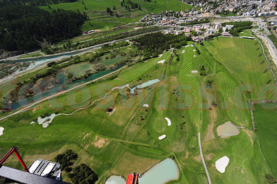 Airview of the Samedan Golf Course of the Engadine Golf Club. Luftaufnahmen vom Golfplatz Samedan des Engadin Golf Clubs