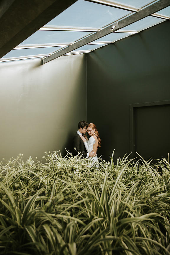 073-modern-love-la-serra-styled-shoot