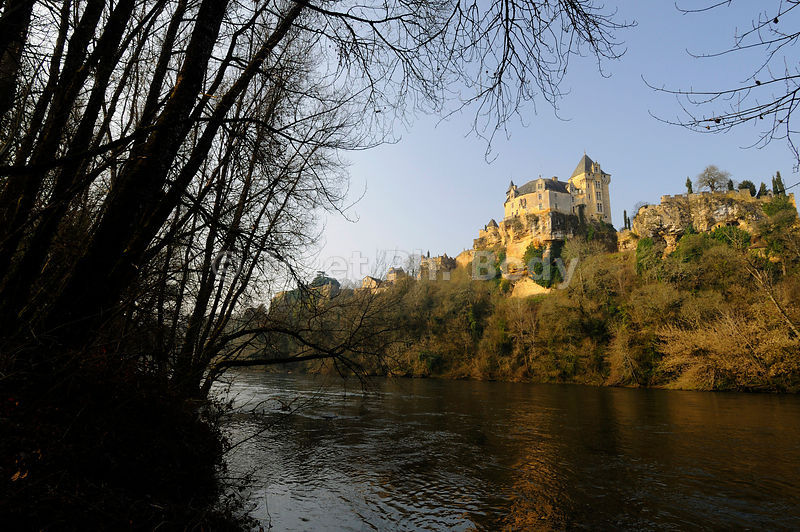 FRANCE, DORDOGNE, CHATEAU DE MONTFORT//FRANCE, DORDOGNE, CASTLE OF MONTFORT