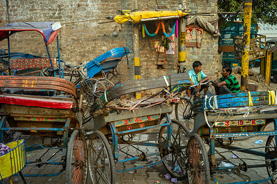Rickshaw Wallahs Rest In Sadar Bazaar