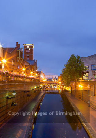 Canals at night near to Brindleyplace, Birmingham, West Midlands, England, UK