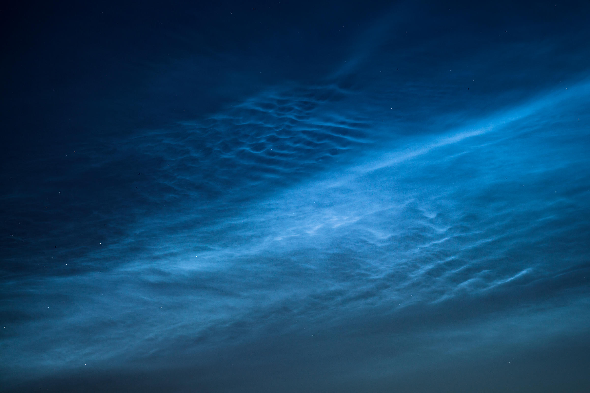 Noctilucent clouds on Jul 28 2017.