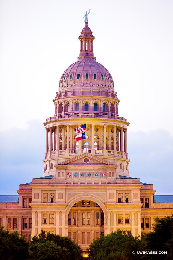 STATE CAPITOL BUILDING AUSTIN TEXAS EVENING COLOR VERTICAL
