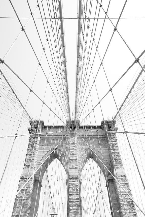 BROOKLYN BRIDGE NEW YORK BLACK AND WHITE VERTICAL