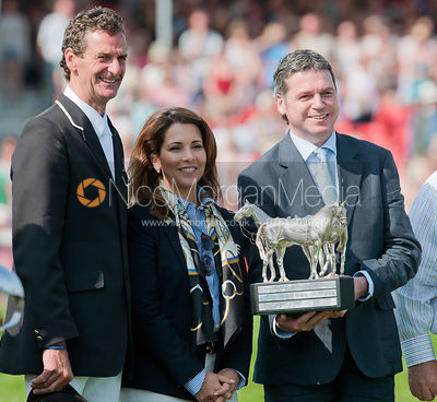 Princess Haya and Lance Bradley present Mark Todd with the Mitsubishi Motors Trophy