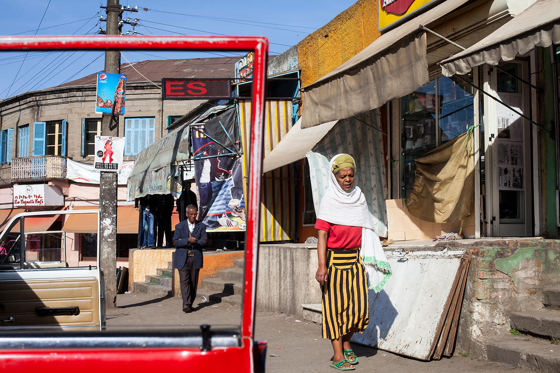 Ethiopia - Addis Ababa - People walking through the Piazza district