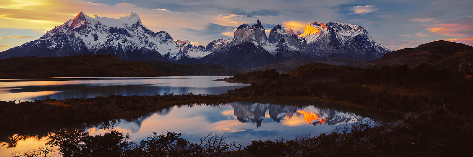 Lake Pehoe and Los Cuernos del Paine