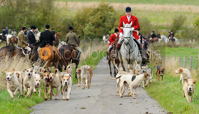 Andrew Osborne MFH and the Cottesmore hounds - The Cottesmore Hunt at Somerby, 2-11-13