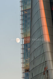 Hadid-Tower-with-Moon