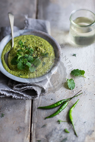 A hearty and rustic pea soup