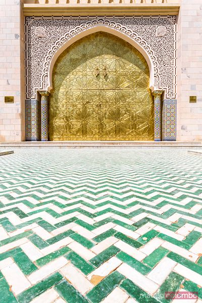 Entrance door to Asma Bint Alawi mosque, Oman