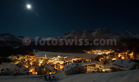 Nightview of Saint St. Moritz from Chantarella