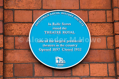 Blue Plaque for the old Theatre Royal Building which closed in 1932