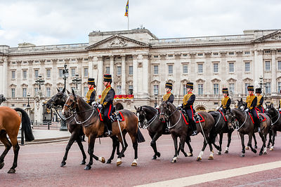 Kings Troop soldiers riding past Buckingham Palace