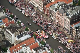Amsterdam - Luchtfoto Canal Parade 13