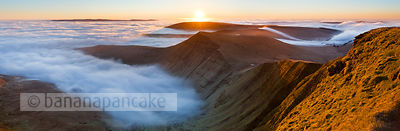 Sunrise over Cribyn, from Pen y Fan - BP2373b