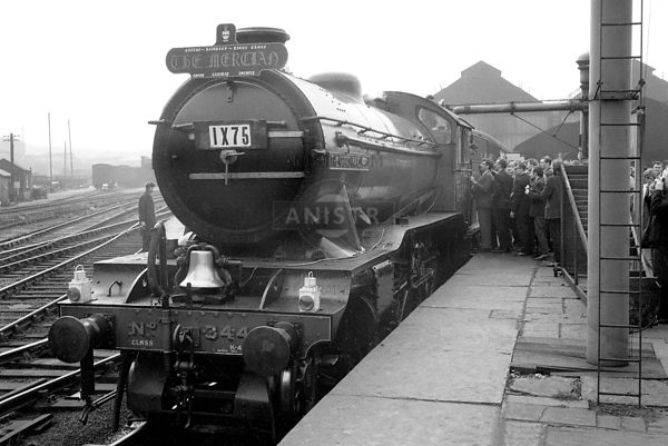 PHOTOS OF EX-LNER K4 CLASS 2-6-0 STEAM LOCOS