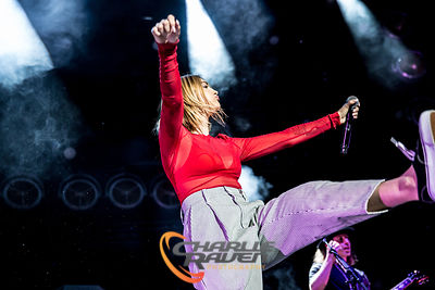 Julia Michaels - Bournemouth International Centre 26.03.18