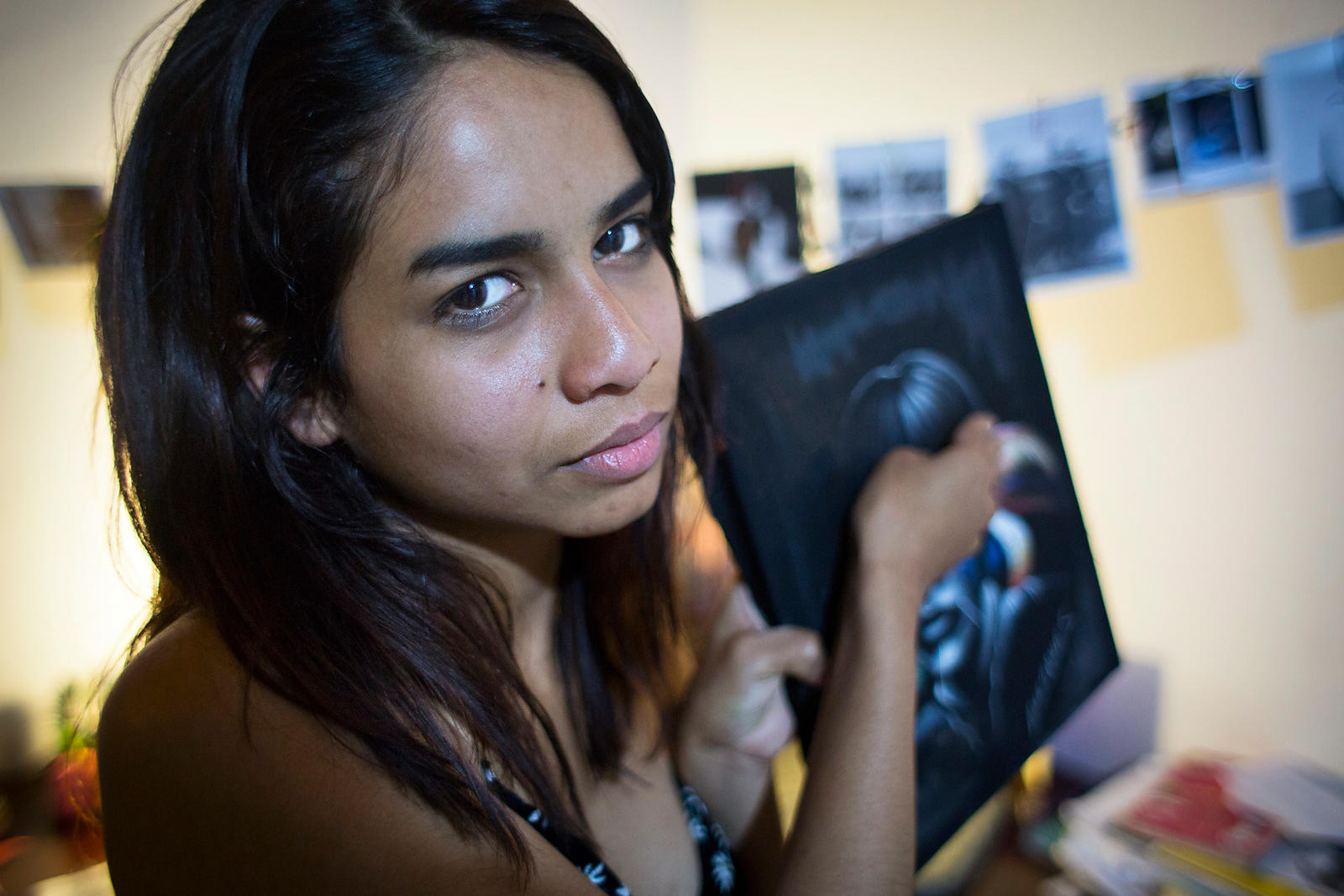 Laura, 22, is Sikuani by her mother and is a victim of the civil war. In Bogota since 3 years, she discovered ways to express...