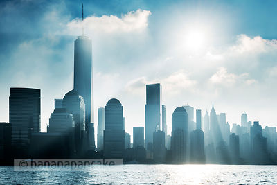 Mist over the lower Manhattan skyline, New York - BP4473