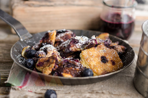 Kaiserschmarren with blueberries