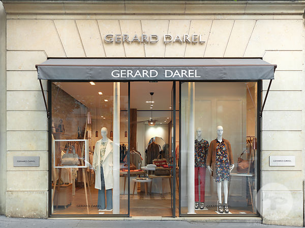 Retail architecture photographer - Boutique Gerard Darel Rue Royale, Paris France. Photo ©Kristen Pelou
